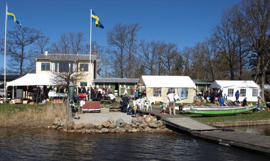 Populär loppis på Långö