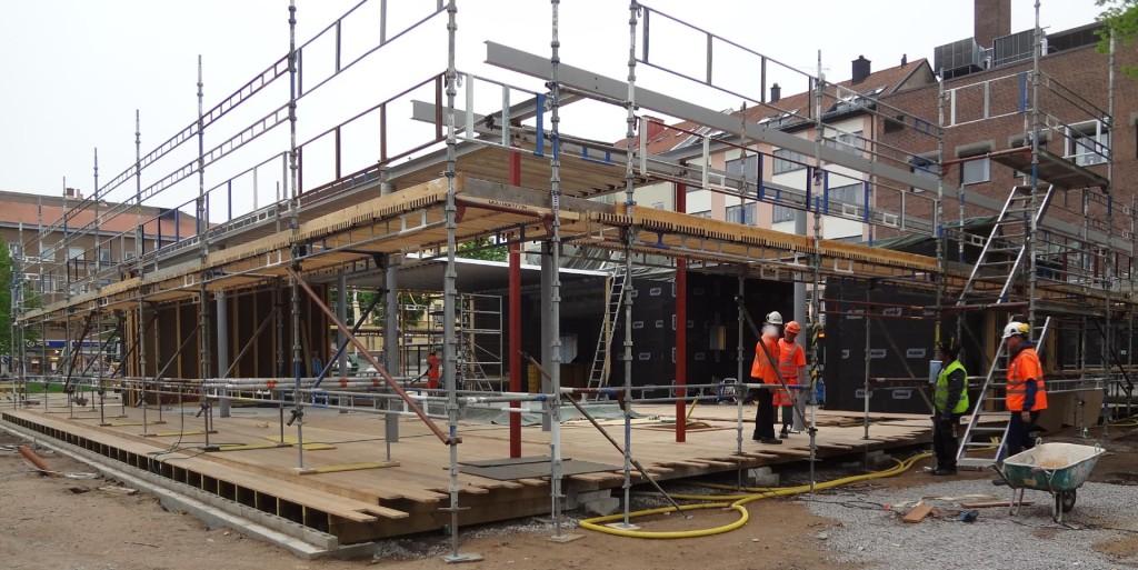Bygget i Hoglands park den 21 maj 2013