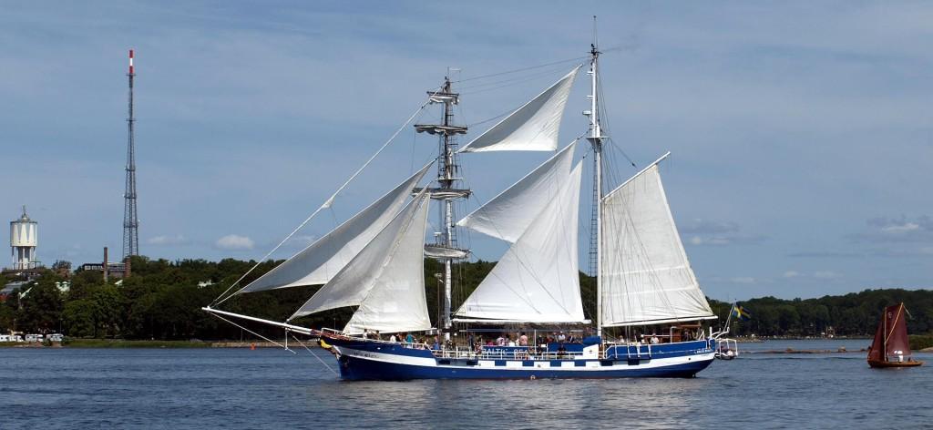 Baltic Beauty ute och seglar