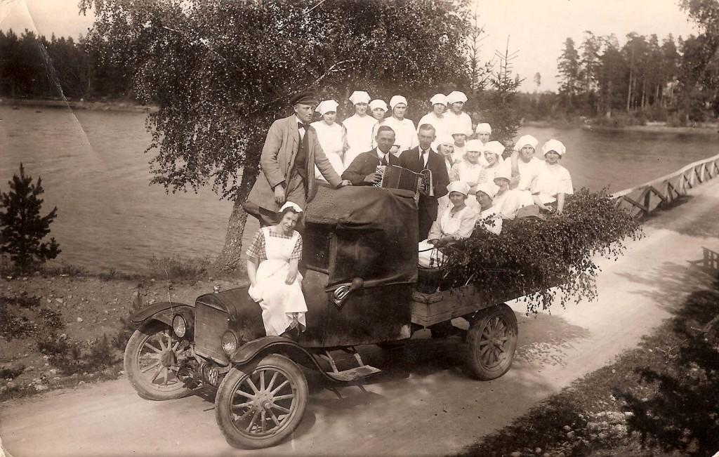 Skolköket i Sillhövda på utflykt till Bredasjön sommaren 1923
