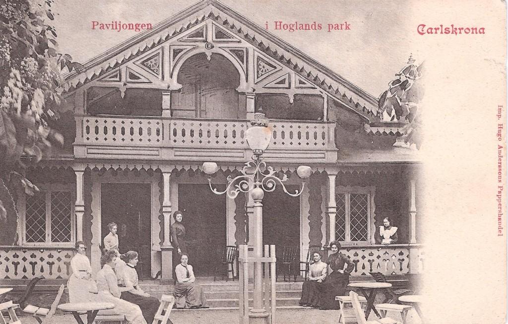Gamla paviljongen i parken