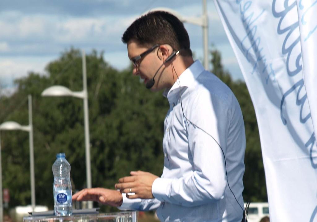 Jimmie Åkesson talar...