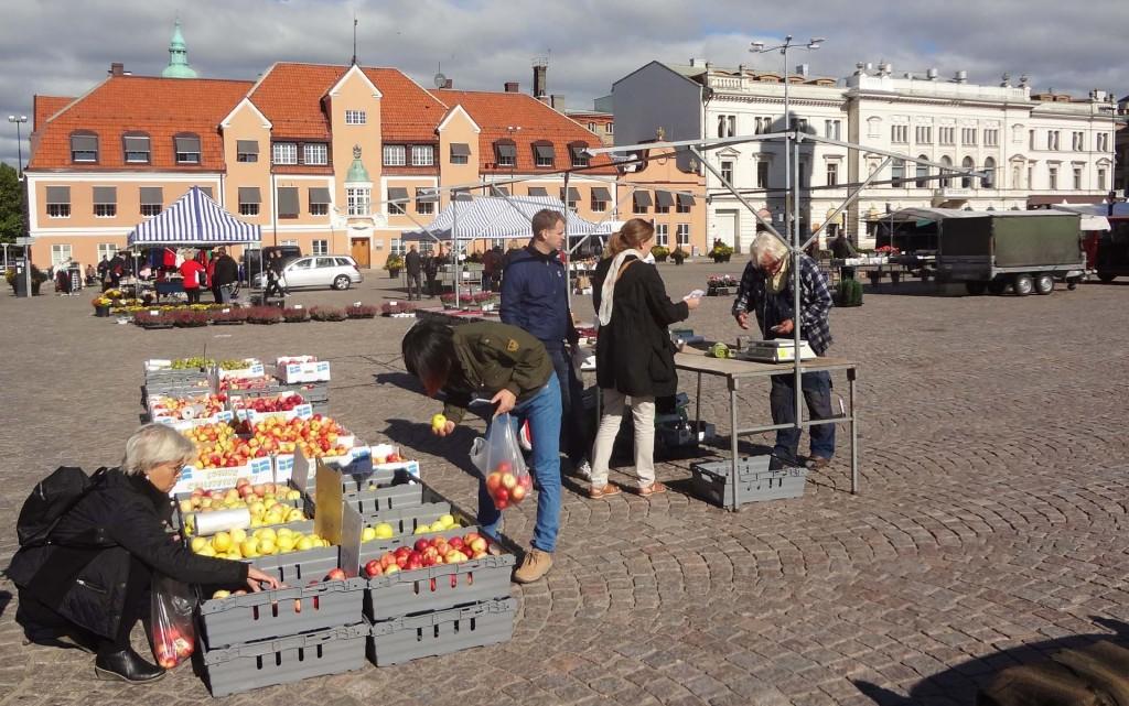 Goda äpplen på Stortorget