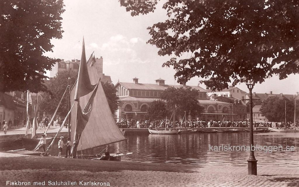 Fiskbron med Saluhallen 1921
