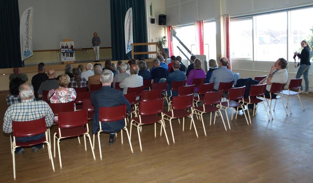 Ett 40-tal medlemmar hade samlats i Lyckeby Medborgarhus