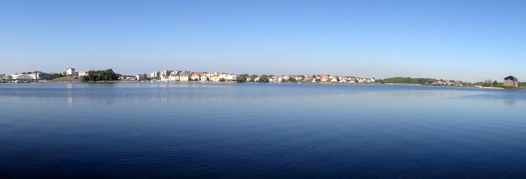 En härlig förmiddag och där i fjärran ligger Björkholmen. Ekholmen och Saltö