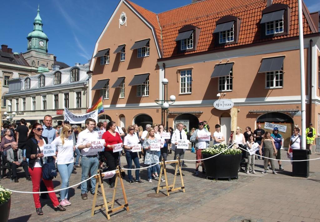 Björn Söder och Kristina Winberg på Stortorget i Karlskrona den 17 maj 2014