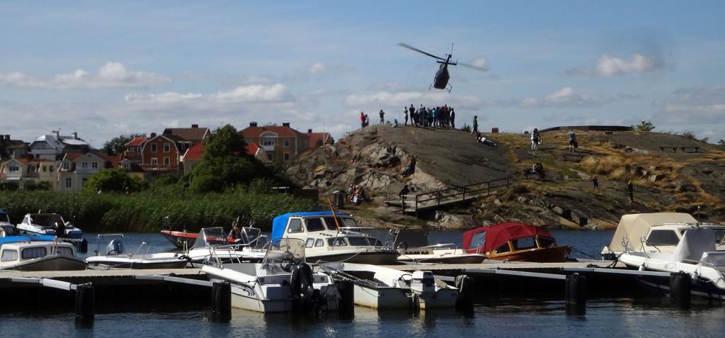 Helikoptern lyfter från Stakholmen