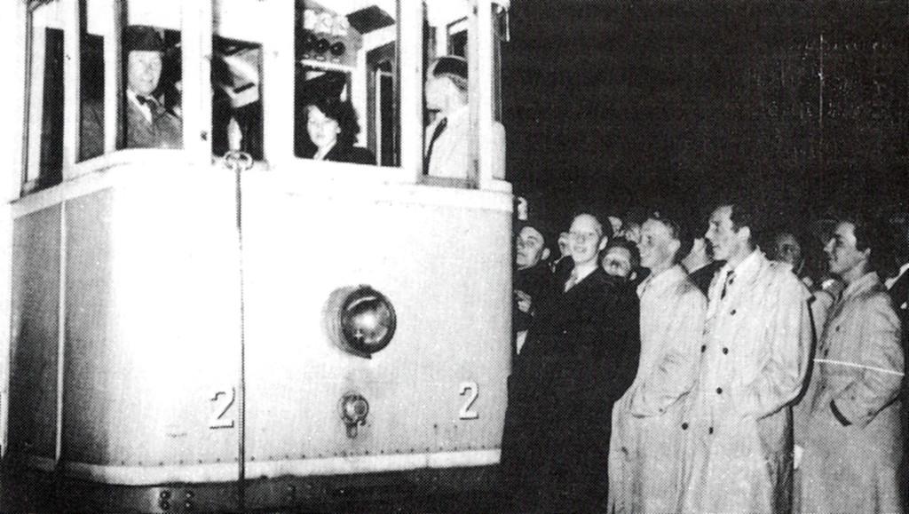 Spårvagn i Karlskrona på sin sista färd 1949
