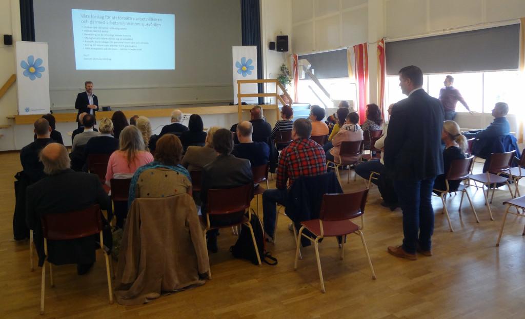 Närmare 50 medlemmar och sympatisörer kom för att lyssna på Per Ramhorn