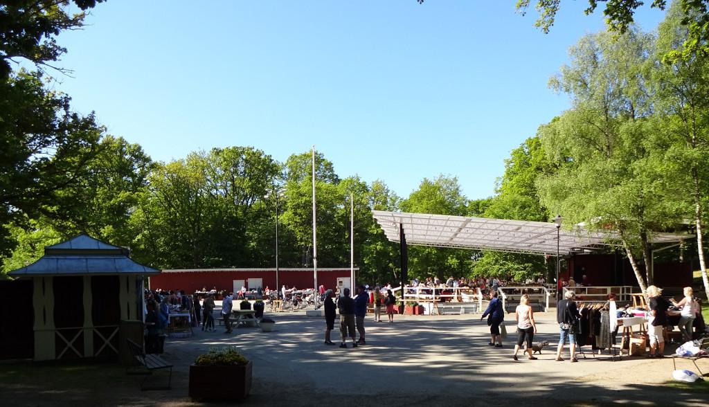 Loppmarknad i Vämöparken den 27 maj 2017