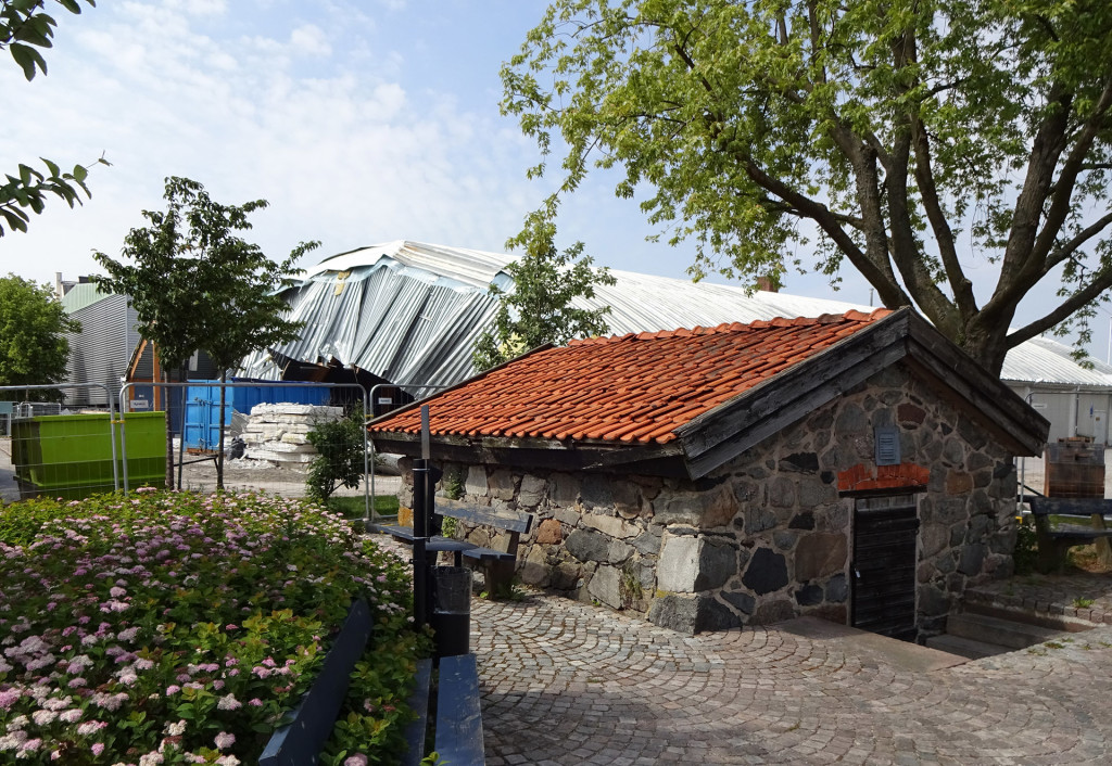 Rivning av Östersjöhallen