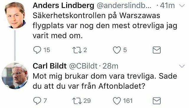 Carl Bildt (M) visar humor