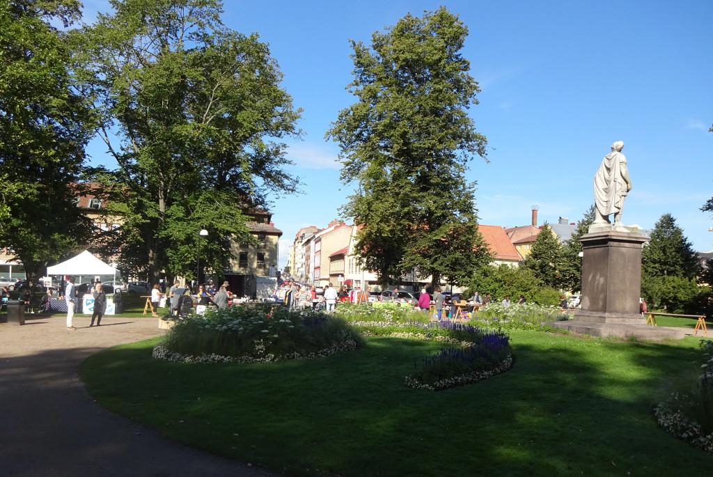 Glest i Hoglands park idag