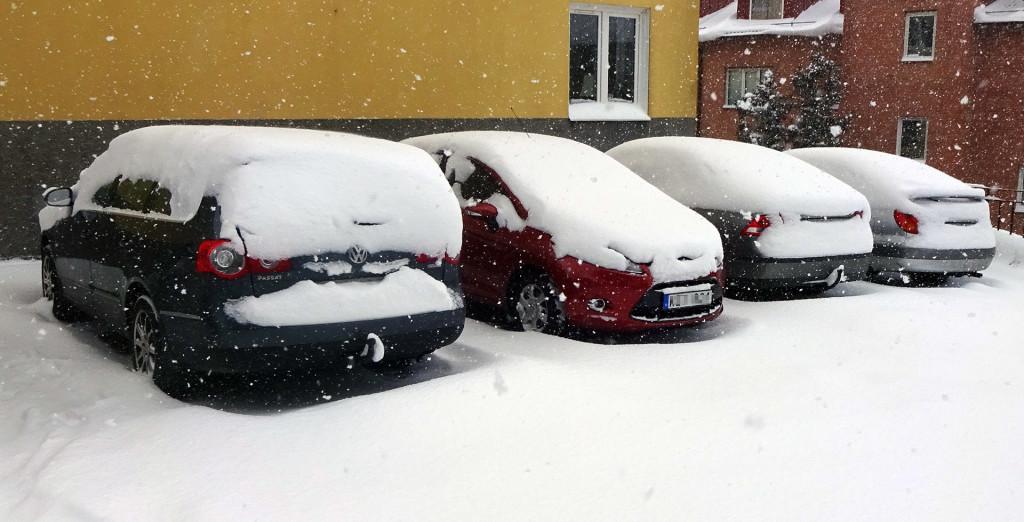 Insnöade bilar idag