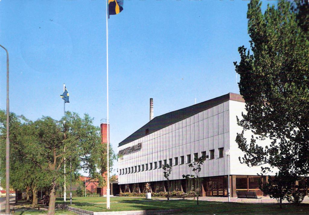 En nybyggd Karlskrona Idrottshall i början av 1960-talet