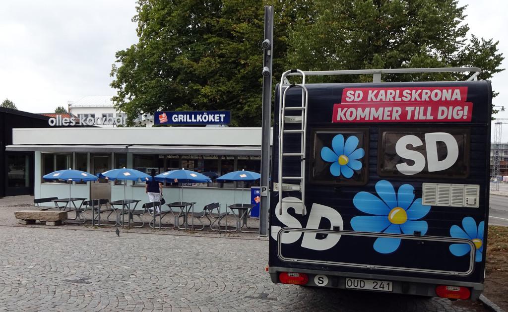 """""""Spjutet"""" besöker Olles Korvbar i Karrlskrona"""