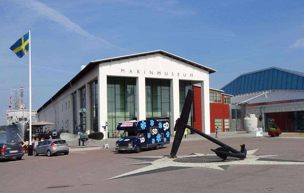 """SD Karlskronas kampanjbil """"Spjutet"""" besöker Marinmuseum"""